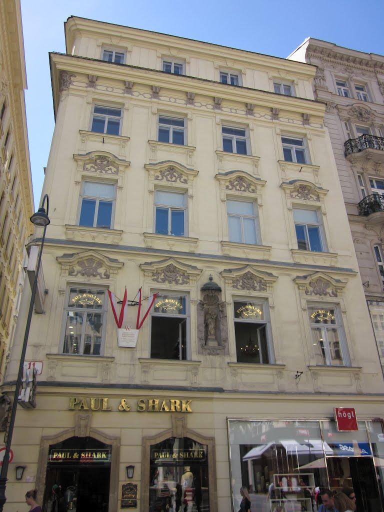 улице грабен дворец барлотти