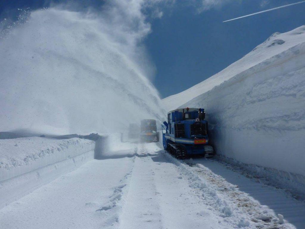уборка снега на гросглокнере