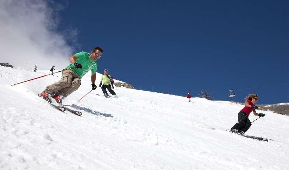 горные лыжи. штубаи, австрия ледник. лето