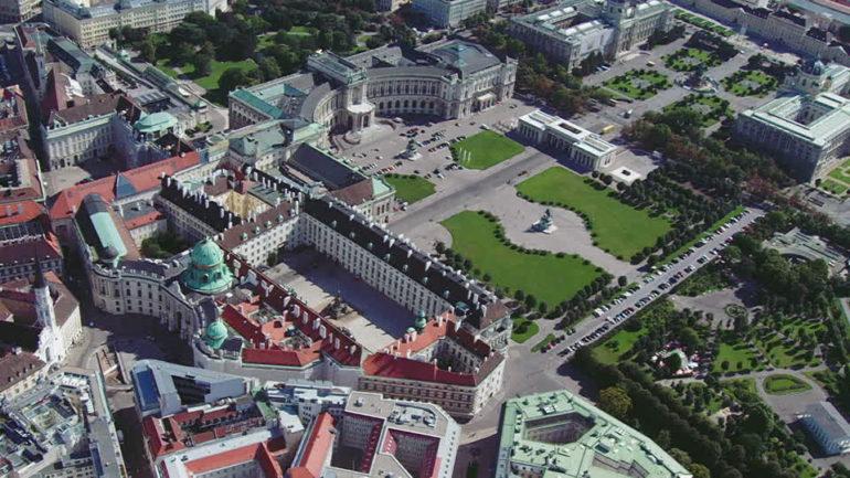 Что посмотреть в Вене за 1 день - Хельденплац