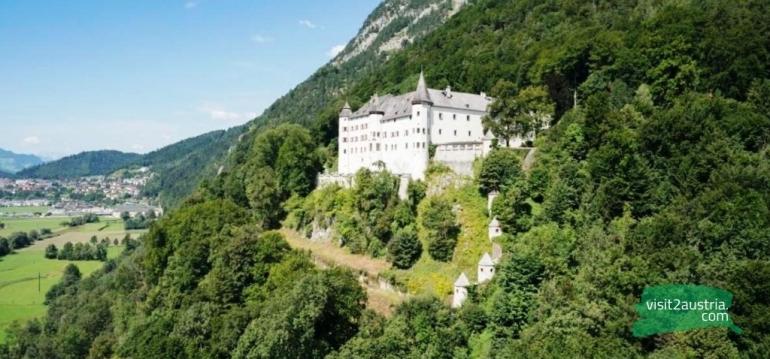 Замок Трацберг Тироль