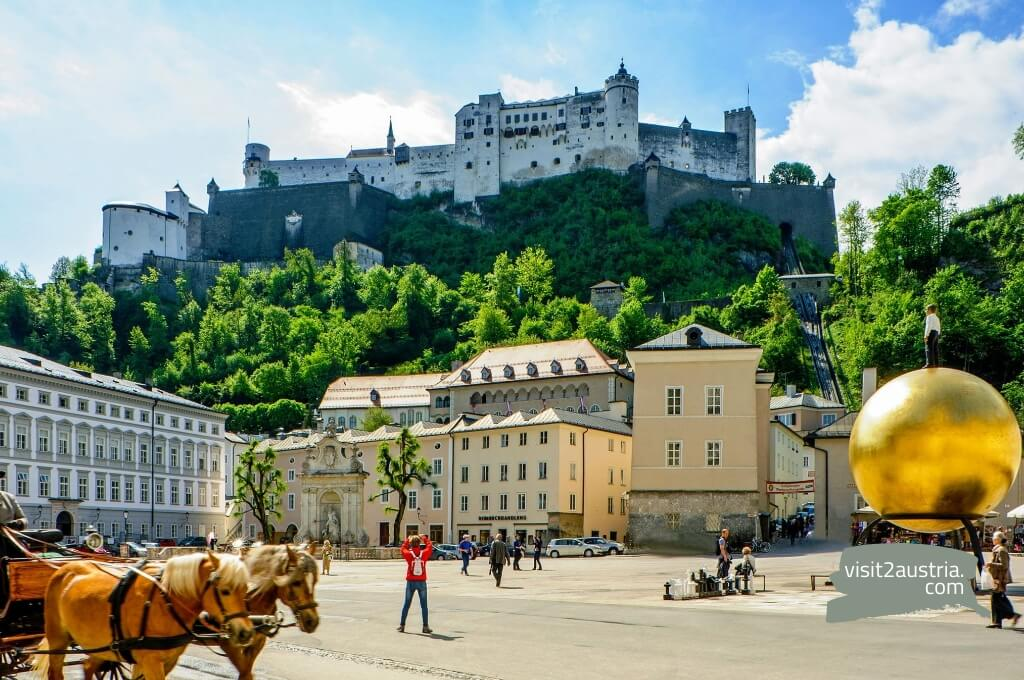 Хоэнзальцбург - это самая большая крепость в Европе